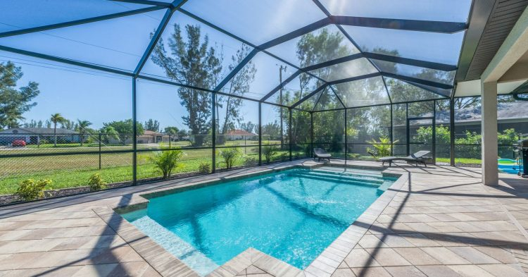 The Benefits of Professional Pool Maintenance